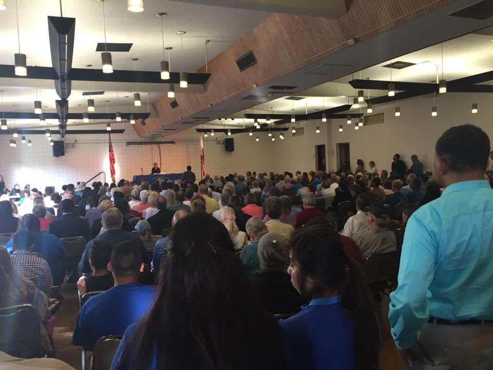 PUC hearings packed by community opponents to new power plant in Oxnard on 7/15/15. Photo: Lucas Zucker