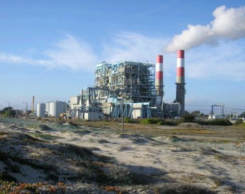 Existing Oxnard Power Plant. Photo courtesy of VLULAC http://vclulac.org